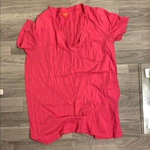 Hot pink tee shirt with pocket